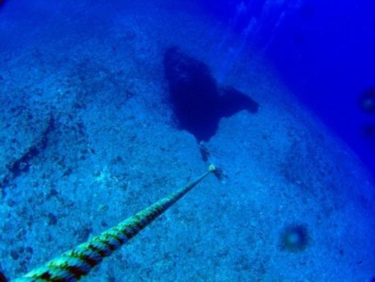 グアム ダイビングポイント ブルーホール ハートの穴が幻想的
